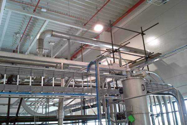 Rozvody N2 a CO2 ve výrobní hale Mondelez CR Biscuit Opava